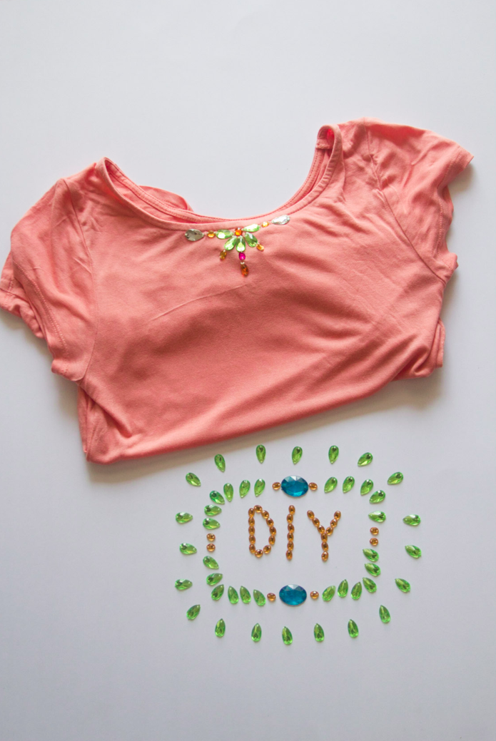 Restyle it! DIY Gemstone Shirt at www.surelysimple.com