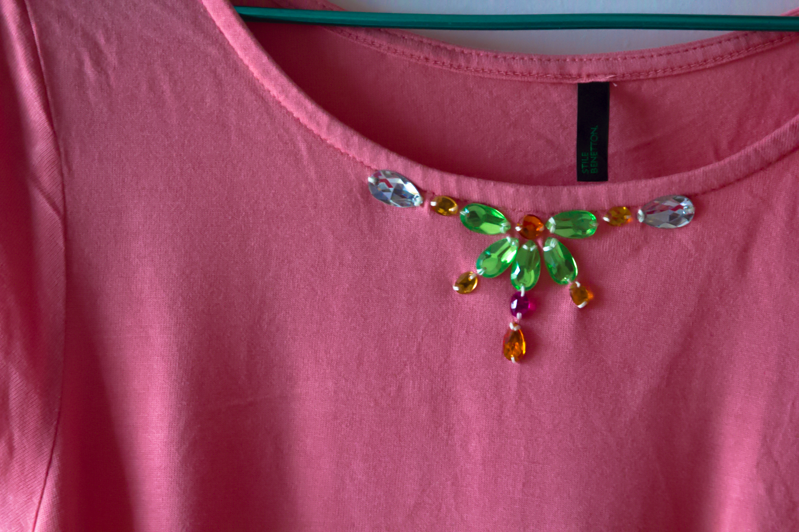 restyle it! DIY Gemstone T-shirt www.surelysimple.com