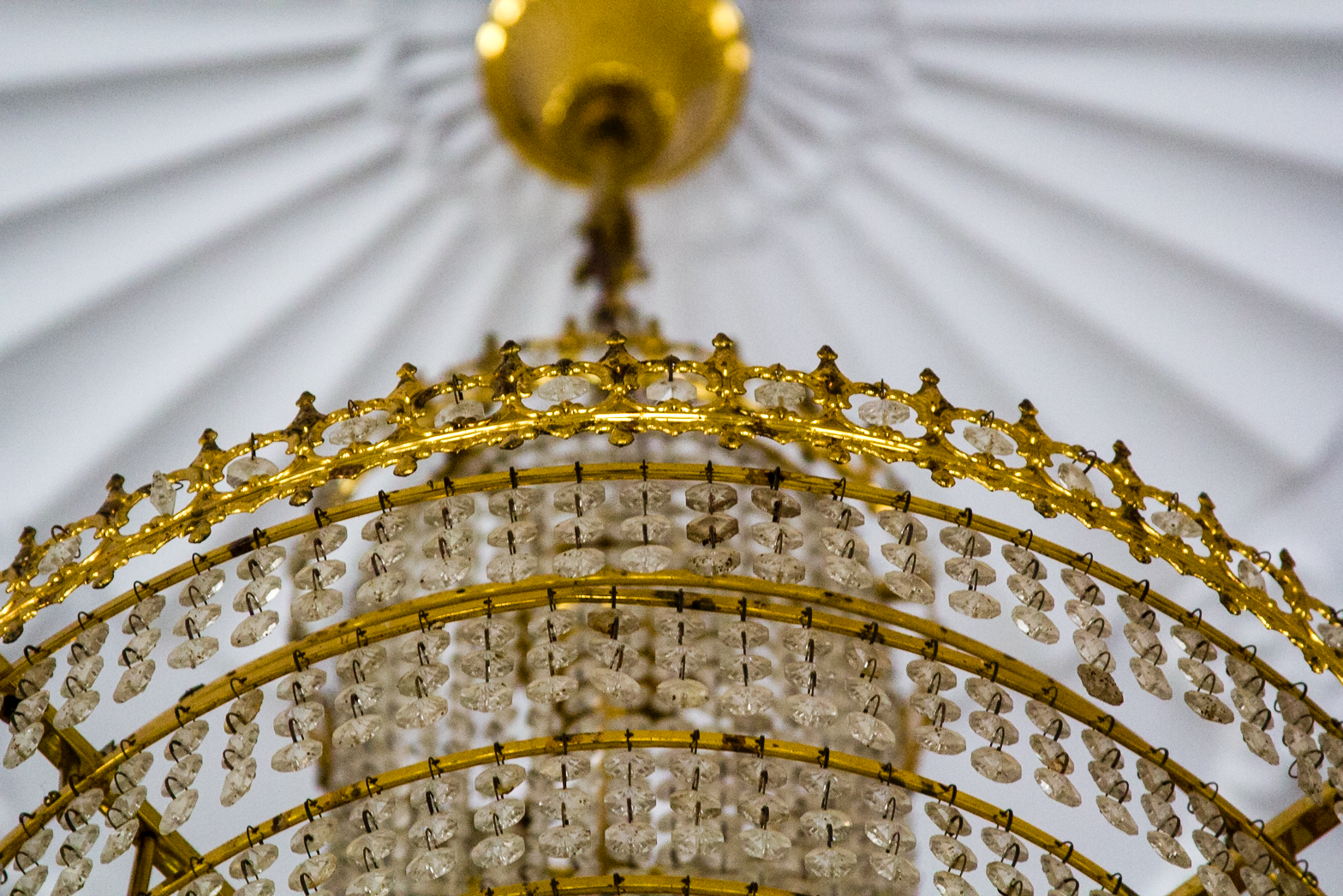 Photo Diaries| A temple in White and Gold, in Rajasthan, India. www.surelysimple.com