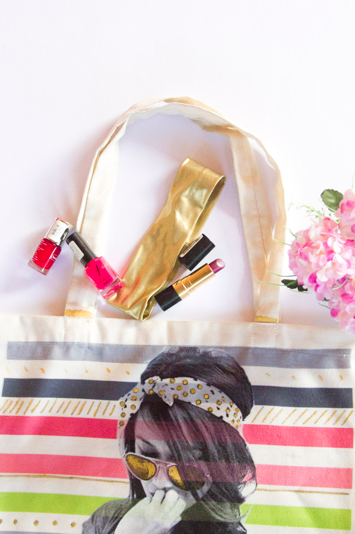 Quick Restyle: Gold Accented Tote Bag via www.surelysimple.com