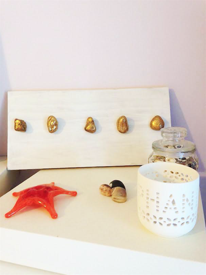 DIY Stone Jewelry Display
