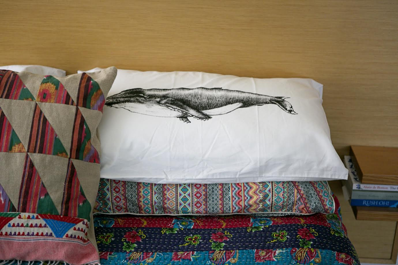 Bedcover Colorful A Creative Home..with Artist Michelle Fleur in Perth, Australia // Surelysimple.com