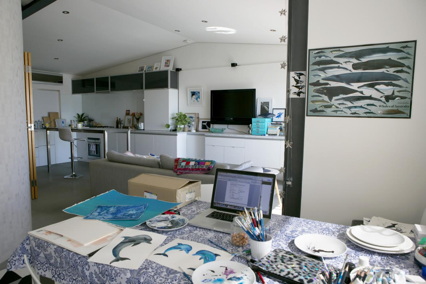A Creative Home..with Artist Michelle Fleur in Perth, Australia // Surelysimple.com
